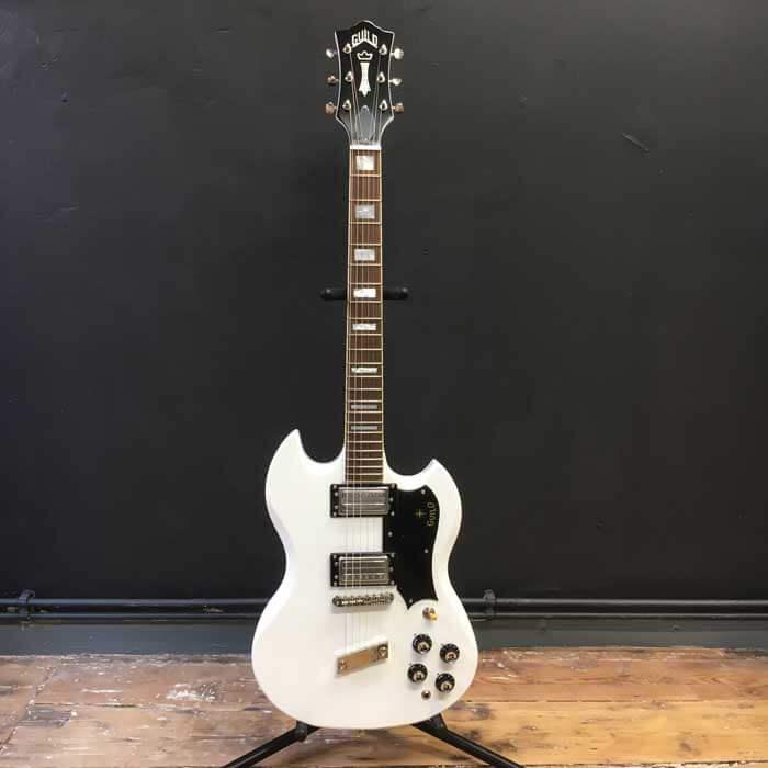 Guild-S-100-Polara-White-Electric-Guitar-Deluxe-Guild-Gig-Bag-1
